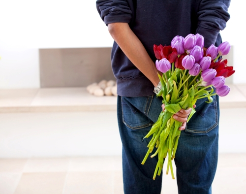 guy-giving-flowers-111208
